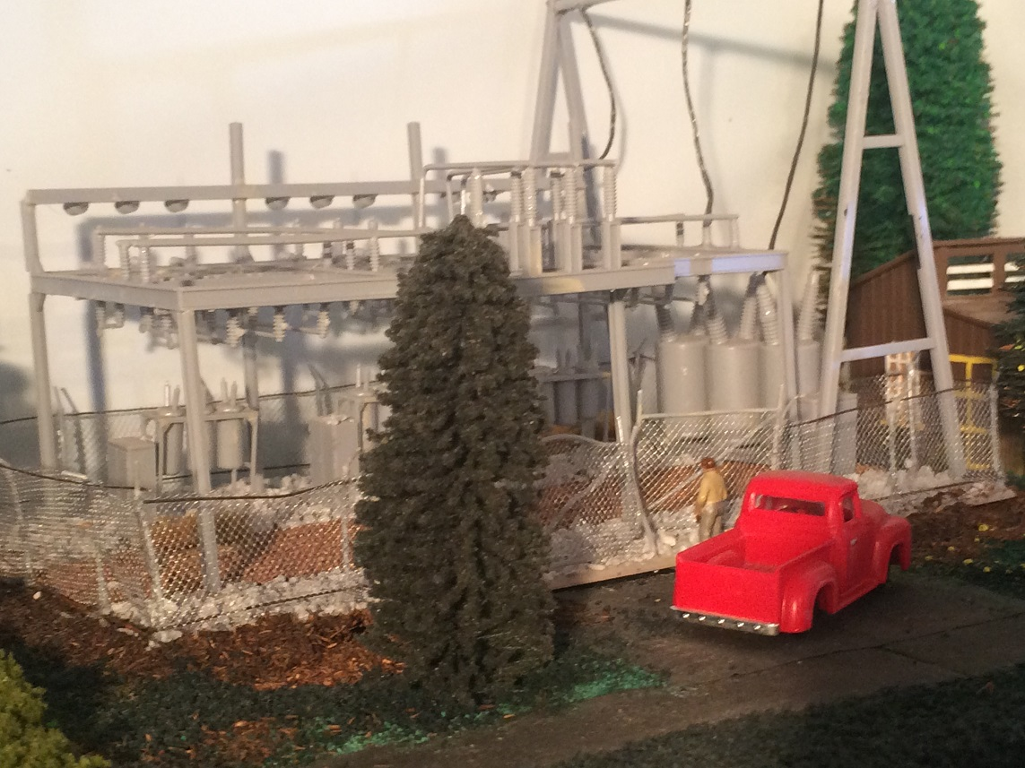 Vince Pettinelli model train layout