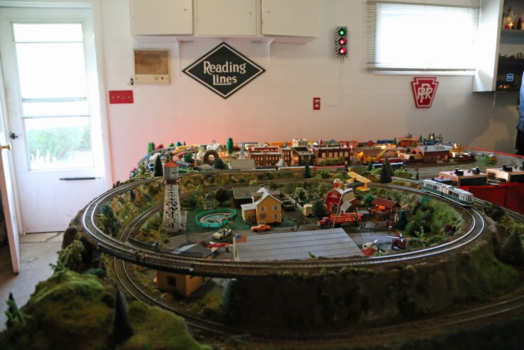 Vince Pettinelli model railroad layout
